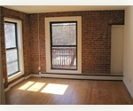 Upper East Side/ 3 bedroom, Exposed brick, Balcony/ $3,795