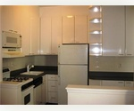 CHARMING GUT RENOVATED 2BR SPACIOUS PREWAR ELEVATOR/LAUNDRY 