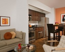 No Fee - $2875 - 1 Bedroom on high floor in Luxury Full Service Building - Prime Financial District!