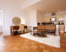 $3195 - Luxury 1 Bedroom in prime full service Financia District building