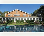 RECENTLY RENOVATED. ULTRA PRIVATE. SUMMER IN EAST HAMPTON