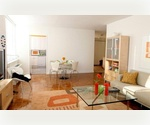 +BRIGHT BEAUTIFUL TRIBECA THREE BEDROOM+
