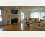 Overlooking golf course, close to ocean beaches - fully renovated in 2012