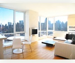 WOW!!! 1 Bed / 1 Bath, Washer/Dryer with Spectacular City &amp; Water View. Swimming Pool, Health Club, Basketball Courts, BBQ Grills Modern Luxury Hi-rise Building.